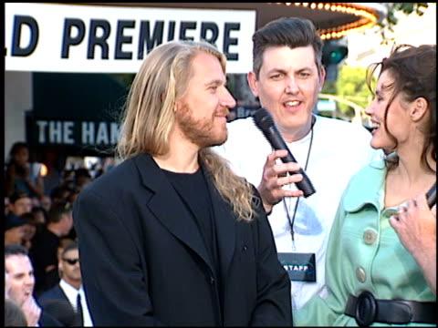 geena davis at the 'batman foreve'r premiere on june 9, 1995. - geena davis stock videos & royalty-free footage