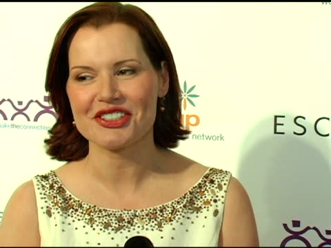 geena davis at the step up women's network inspiration awards sponsored by escada at the beverly hilton in beverly hills california on april 27 2006 - escada stock videos & royalty-free footage
