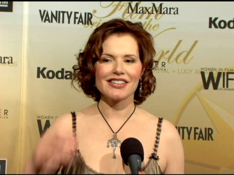 geena davis on how it feels to receive the 'lucy award' named after lucille ball, on the personal significance of the award, on the achievements she... - ジーナ デイヴィス点の映像素材/bロール