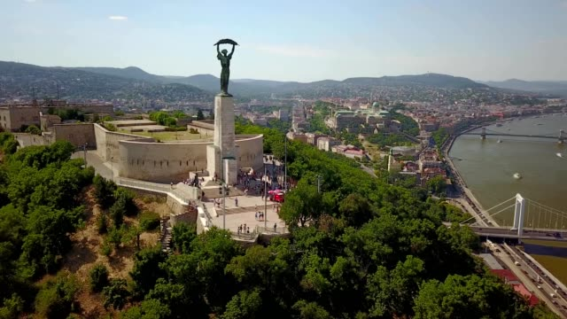 gellert hill with the statue of liberty - budapest - ungarn stock-videos und b-roll-filmmaterial