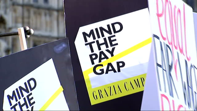 Gemma Arterton joins equal pay protest ENGLAND London Westminster EXT Placards 'Fair Pay' 'Mind The Pay Gap' 'Equal Fair Wage Rights' / Houses of...