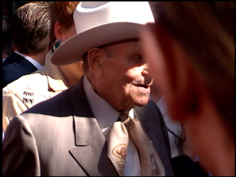 gene autry at the 'wyatt earp' premiere at grauman's chinese theatre in hollywood california on june 18 1994 - 1994 stock videos & royalty-free footage