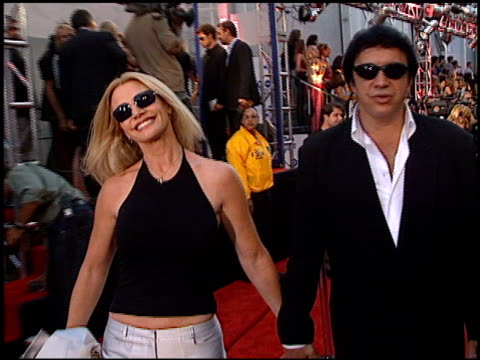 gene simmons at the 2000 mtv movie awards at sony studios in culver city, california on june 3, 2000. - gene simmons stock videos & royalty-free footage