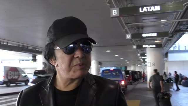 stockvideo's en b-roll-footage met interview gene simmons on all the sexual harassment going on at los angeles international airport at celebrity sightings in los angeles on december... - gene simmons