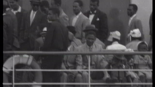 online database launched detailing uk immigrants since 1878 tx england hampshire southampton w 'begona' ship arriving at docks b/w west indian... - emigration and immigration stock videos & royalty-free footage