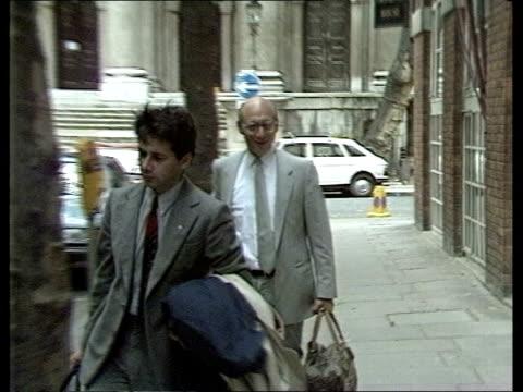 labour ***missing england london islington neil kinnock sof - islington stock-videos und b-roll-filmmaterial