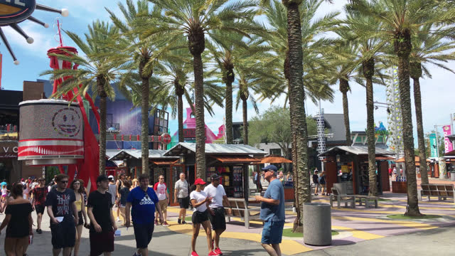 stockvideo's en b-roll-footage met general ambiance with people in universal studios seen on july 20, 2019; in orlando, florida, usa. universal studios' famous recreation facility is a... - redactioneel