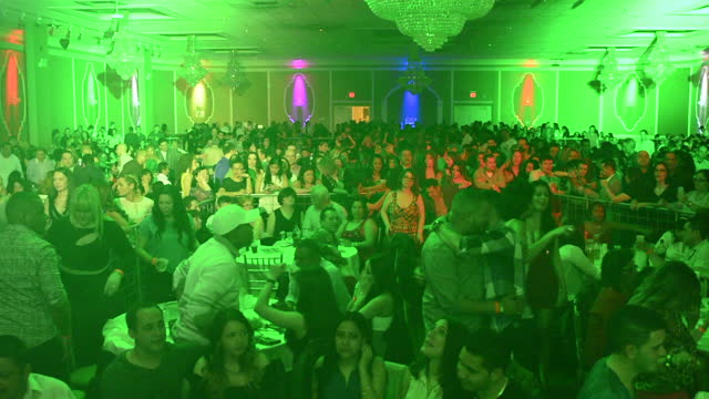 general ambience and atmosphere in the mirage banquet hall before the appearance of el gran combo de puerto rico on march 29 in toronto, ontario,... - atmosphere filter stock-videos und b-roll-filmmaterial