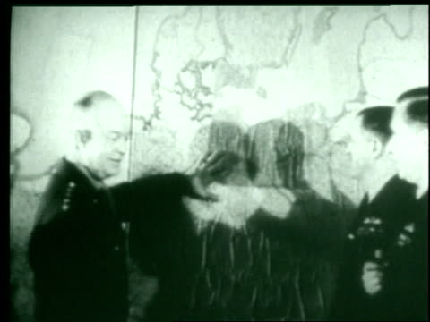 u.s. general dwight eisenhower orders an allied attack on achim, germany. - alliierte stock-videos und b-roll-filmmaterial