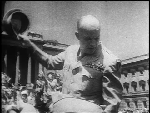 general dwight eisenhower tipping hat waving at veday parade - ve day stock-videos und b-roll-filmmaterial