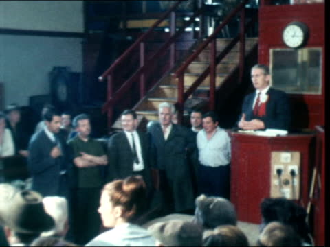 vídeos de stock, filmes e b-roll de the candidates in hamilton campaign scotland hamilton ms auctioneer sof pan crowd at auction in to ms of alex wilson labour addressing crowd at... - atividade comercial