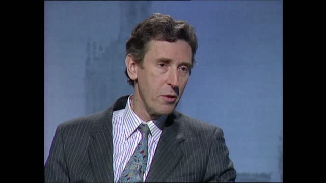 general election 1992: special: 02.00 - 03.00:; england: london: itn: int john suchet in basement live studio robin day interviews david howell and... - robin day stock videos & royalty-free footage