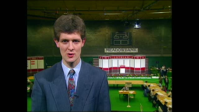 general election 1992: special: 22.00 - 23.00:; england: yorkshire: york: int live jonathan munro to camera sot lancashire: hyndburn: live general... - pull out camera movement stock videos & royalty-free footage