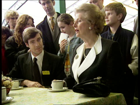 thatcher at conservative rally/ campaigns 2300 england london streatham high st tcms former pm margaret thatcher out car towards says 'good morning'... - strauch stock-videos und b-roll-filmmaterial