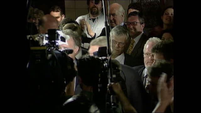 general election 1997: special: 10.00 - 11.00:; england: london: gir: int studio dermot murnaghan summary jennifer nadel package london: islington:... - ダーモット・マーナハン点の映像素材/bロール