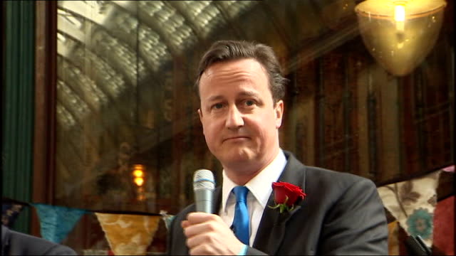 david cameron leadenhall market walkabout david cameron speech sot great to be here today/ very best of luck to wasps against bath/ is the mayor... - thank you englischer satz stock-videos und b-roll-filmmaterial