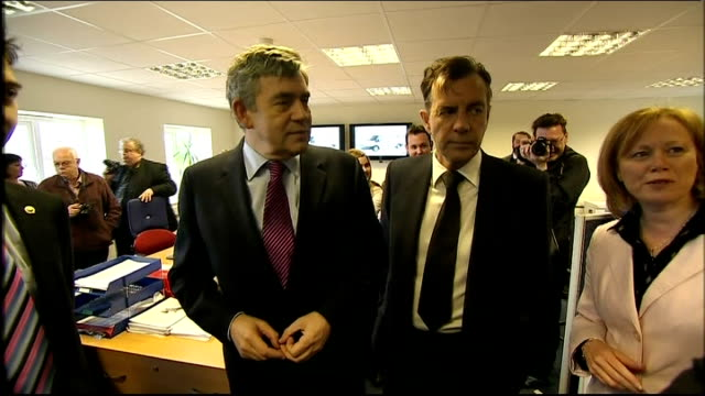 general election 2010: gordon brown and duncan bannatyne visit local business in basildon; brown and bannatyne meeting young apprentices and chatting... - basildon stock-videos und b-roll-filmmaterial