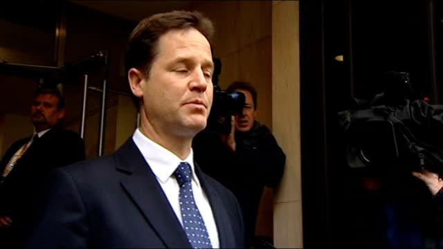 general election 2010: hung parliament: second day of talks: nick clegg arrives at lib dem hq; england: london: smith square: ext * * beware flash... - seguire attività che richiede movimento video stock e b–roll