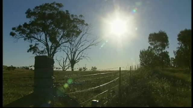 Julia Gillard to form minority government TX Mildura Green fields blue sky and sun shining