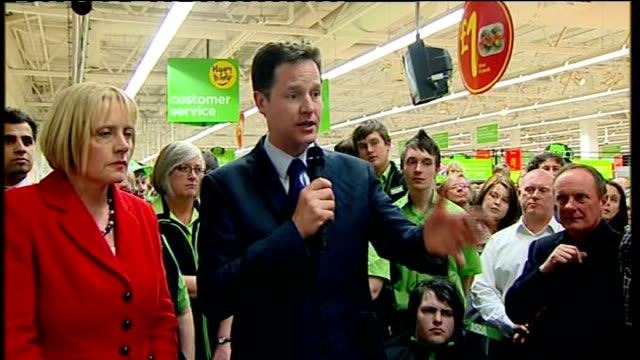 lib dem leader nick clegg walkabout and speech at asda harrogate clegg sot no child whatever their circumstances should ever be told they cannot be... - ニック クレッグ点の映像素材/bロール
