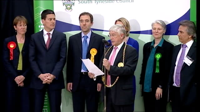 stockvideo's en b-roll-footage met south shields declaration david miliband england tyne and wear south shields int parliamentary candidates for the south shields electorate onto stage... - tyne and wear