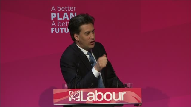 vídeos de stock, filmes e b-roll de campaigning county durham stocktonontees int nelson driscall asking ed miliband what he wanted to be when he was seven sot miliband smiling nelson... - trocador