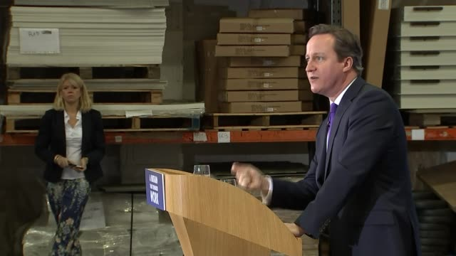 vídeos y material grabado en eventos de stock de david cameron speech at dunster house cutaways cameron arriving / cameron sitting in front row / cameron speaking at podium sot / audience members /... - teleprompter