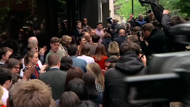 ed miliband resignation / labour party future england london ext ed miliband and wife justine from car as arriving to applause at labour party... - now open stock videos & royalty-free footage