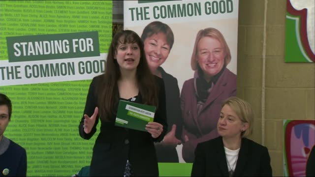 vídeos de stock e filmes b-roll de general election 2015: green party youth manifesto launch; england: london: kentish town: ext natalie bennett along with unidentified woman and into... - kentish town