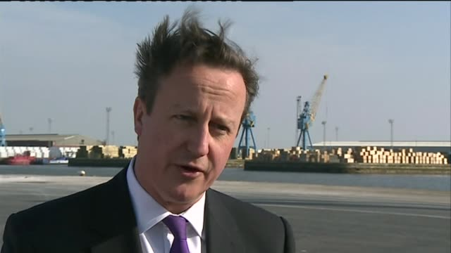 Immigration policy R25031408 / Yorkshire Hull David Cameron interview SOT re Immigration