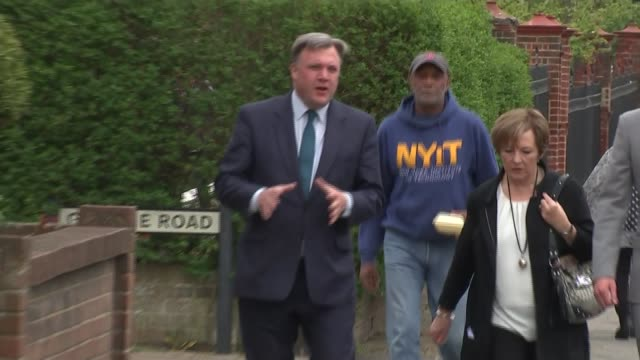 labour ed balls and delia smith in hove england east sussex hove ext pelican on portland cafe / women sitting at pavement tables / ed balls and delia... - delia smith stock videos and b-roll footage