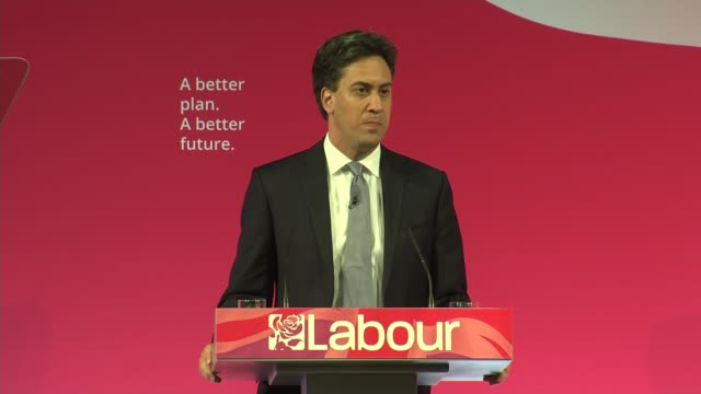 labour ed miliband speech miliband speech sot clash of two completely different ideas about our country / david cameron believes wealth will trickle... - ed miliband stock-videos und b-roll-filmmaterial