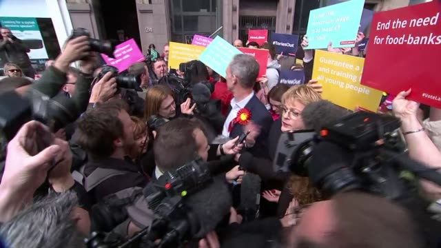 Labour's Jim Murphy targeted by protesters during Glasgow walkabout with Eddie Izzard SCOTLAND Glasgow Buchanan Street EXT SNP activists heckling Jim...