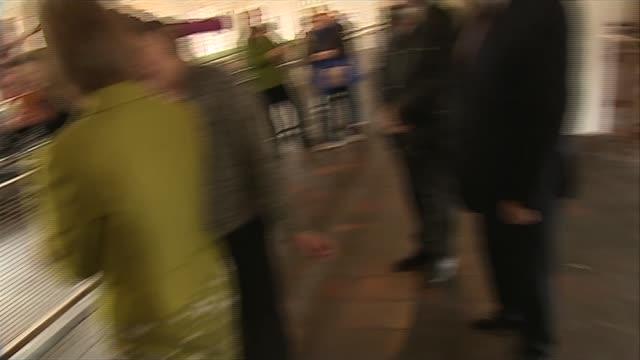 vídeos y material grabado en eventos de stock de general election 2015: nicola sturgeon visits new lanark world heritage site; scotland: south lanarkshire: new lanark: new lanark world heritage... - fábricas tradicionales