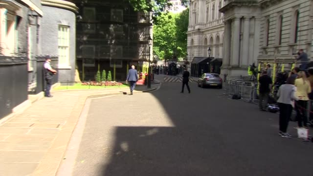 cabinet reshuffle arrivals and departures england london downing street ext liz truss mp along and into number 10 / damian green mp along and into... - priti patel stock-videos und b-roll-filmmaterial