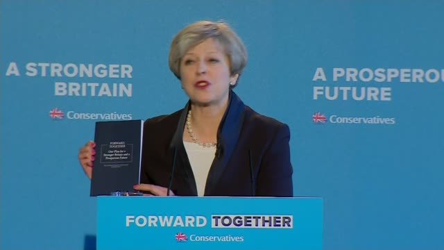 vidéos et rushes de general election 2017: conservatives launch manifesto; halifax: theresa may from car - arriving for conservative manifesto launch/ int theresa may... - genre de la personne