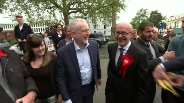 jeremy corbyn focuses on the nhs and health warwickshire leamington spa ext sign 'vote labour' being held up sign 'tories out' attached to table... - leamington spa stock videos & royalty-free footage