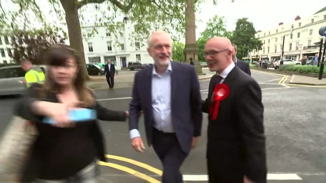 labour jeremy corbyn arriving for speech in leamington spa england warwickshire leamington spa ext jeremy corbyn along and greeted by matt western /... - leamington spa stock videos & royalty-free footage