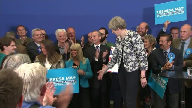 terrorism and security debate england norwich int theresa may applauded by audience as to stage at campaign rally/ theresa may speech sot yes we do... - norwich england bildbanksvideor och videomaterial från bakom kulisserna