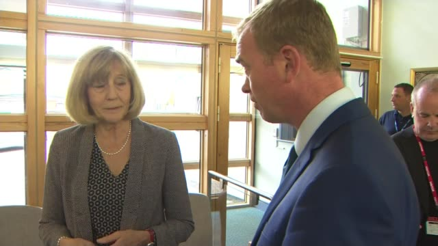tim farron visits portsmouth tim farron chatting with headteacher / farron on tour of special needs classes - schulleiter stock-videos und b-roll-filmmaterial