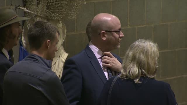 ukip paul nuttall fails to win boston and skegness seat england lincolnshire photography*** paul nuttall arrival and chatting to colleagues /... - 英格蘭 個影片檔及 b 捲影像