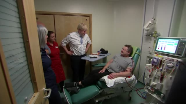 general election 2019: boris johnson visits west cornwall hospital; ** intermittent picture break-up ** england: cornwall: penzance: west cornwall... - ペンザンス点の映像素材/bロール