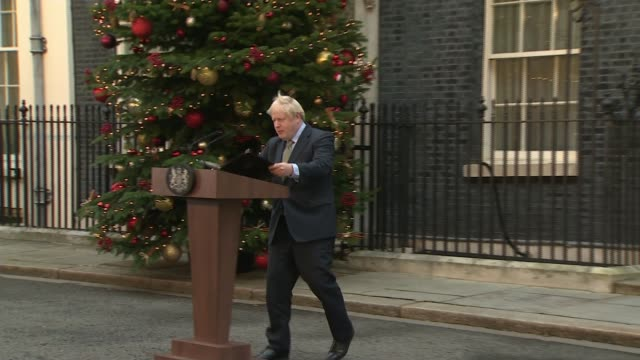 general election 2019: conservatives win majority; england: london: 10 downing street: int ** flashlight photography ** boris johnson mp applauded... - arid stock videos & royalty-free footage