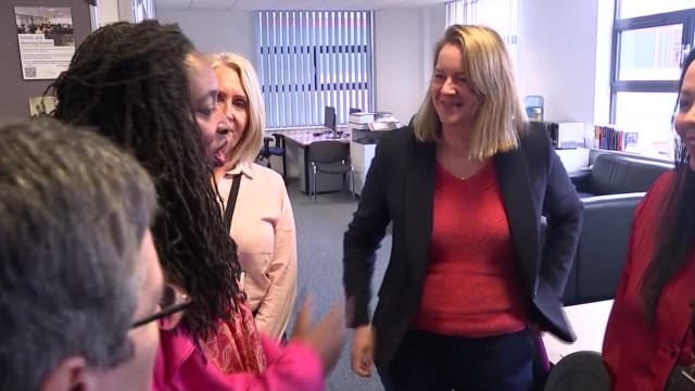 stockvideo's en b-roll-footage met dawn butler policy announcement in hertfordshire england hertfordshire stevenage int dawn butler mp greeting and chatting to women / butler taken on... - mp