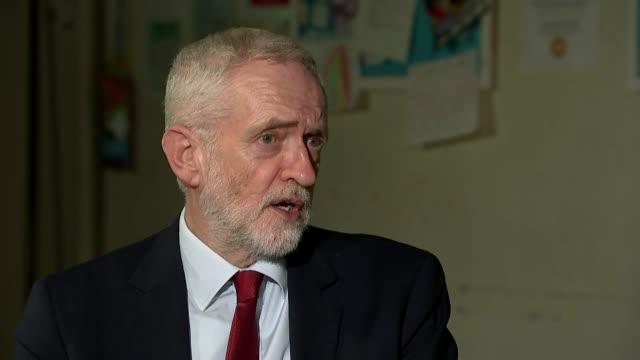general election 2019: jeremy corbyn campaigns in east midlands; england: nottingham: ext reporter to camera int jeremy corbyn interview sot q: can... - bagnato bildbanksvideor och videomaterial från bakom kulisserna