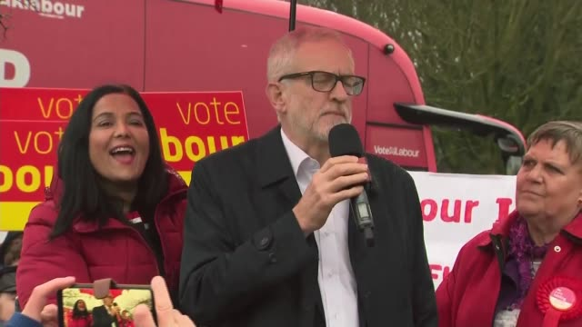 general election 2019: jeremy corbyn speech in bolton; england: greater manchester: bolton: blackrod: ext / rain jeremy corbyn speech to supporters... - jeremy corbyn stock videos & royalty-free footage
