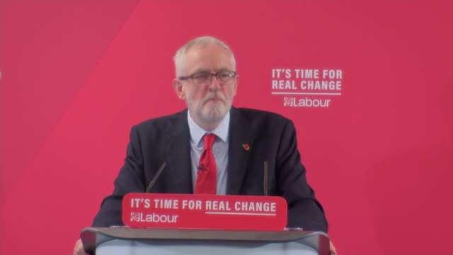 general election 2019: jeremy corbyn speech in harlow on labour campaign trail; england: essex: harlow: int jeremy corbyn mp speech sot / corbyn... - ordförande bildbanksvideor och videomaterial från bakom kulisserna