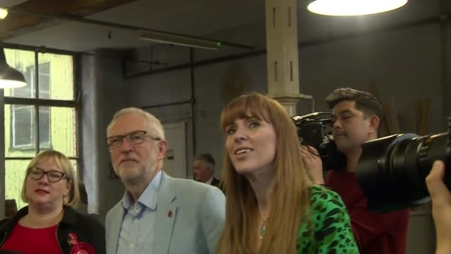 jeremy corbyn visits early years arts project in leeds england west yorkshire leeds int jeremy corbyn and angela rayner chatting with staff at an... - craft stock videos & royalty-free footage
