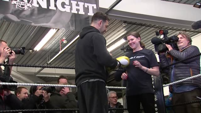 general election 2019: jo swinson visits north london boxing gym; england: london: hornsey: total boxer: int jo swinson changes into exercise clothes... - boxing stock videos & royalty-free footage