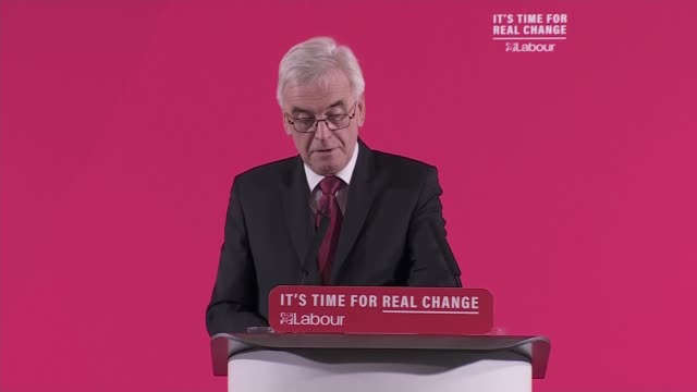 vidéos et rushes de general election 2019: john mcdonnell speech on the economy; england: london: westminster: int john mcdonnell speech sot part 3 of 5. - labour... - genre de la personne